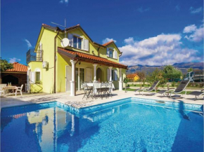 Holiday home Drazice 56 with Outdoor Swimmingpool Dražice