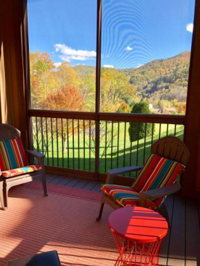 Cozy Cabindo at Maggie Valley Club Maggie Valley