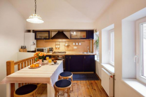 French Style Old Town Apartment Vilnius