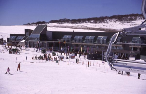 The Perisher Valley Hotel Perisher Valley